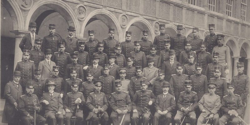 Officieren en burger docenten KMA 1913